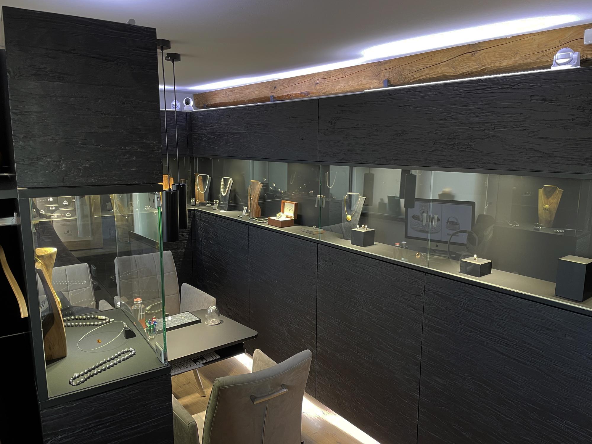 RetinaJewelry-kleine Rheinperle Ausstellungsraum-Lounge-Atelier