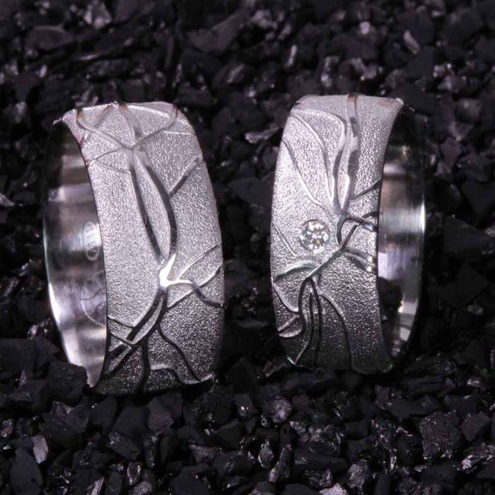 retina-platin-brillant-einzigartig-Goldschmiede-Basel-Juwelier-nachhaltig-fairtrade-spezielle-Ringe-individuelle-designs-handgefertigt